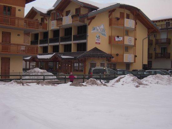 Hotel de la Ville:                   hotel