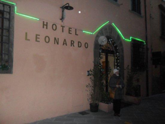 Leonardo Hotel :                   entrata dell'hotel!