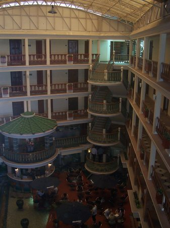Absolute Sea Pearl Beach Resort & Spa: The centre of the hotel