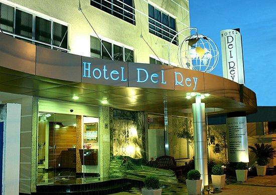 Del Rey Hotel: Fachada
