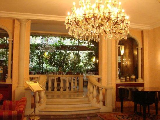 Hotel Papadopoli Venezia MGallery by Sofitel:                   hall d'entrée