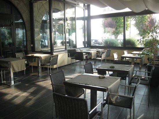Hotel Giardino:                   veranda coperta