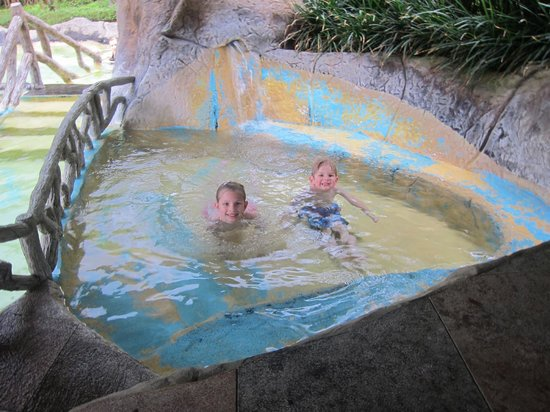 Los Lagos Hotel Spa & Resort:                   Kids in the warm, thermal pool