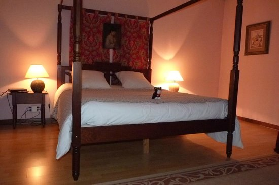 Maison Carre:                   The most comfortable B&B bed I have ever slept in