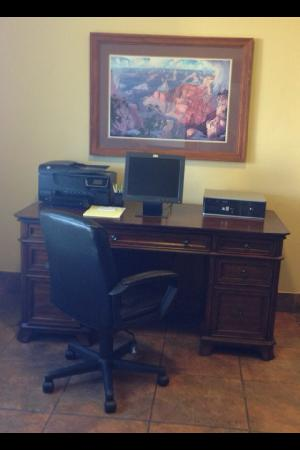 Ramada Williams/Grand Canyon Area: Business Center
