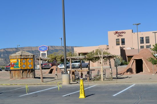 Hampton Inn Kayenta: Navajo history everywhere!