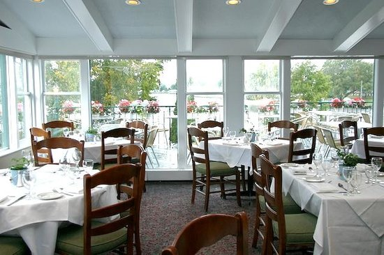 The Gananoque Inn and Spa: Watermark Restaurant