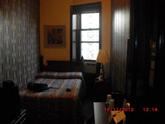Hotel 17:                   room