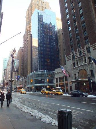 هوتل 48ليكس نيويورك:                   From Outside                 