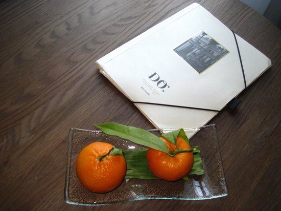 Hotel DO:                   tangerines left in our room