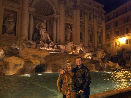 Albergo del Sole Al Pantheon: Trevi Fountain