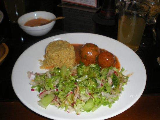 Bhakti Vegetariano-Vegan Resturant:                   almuerzos