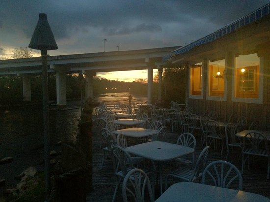 Riverfront Seafood Company: Sunset at Riverfront