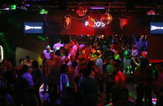 Gay Vallarta Bar Hopping: Pura diversión.