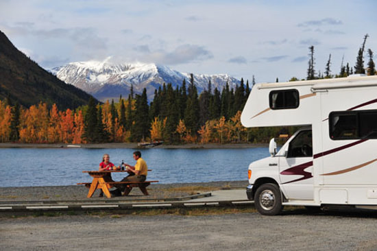 Территория Юкон, Канада:                   Yukon has you covered with its many clean and comfortable campgrounds and R.V.
