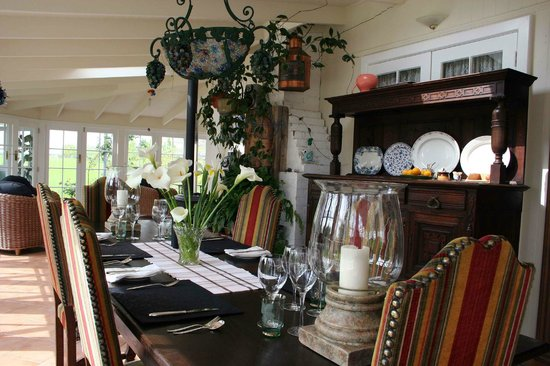 Stanway Lodge B&B: Dine in style in our sunny conservatory area