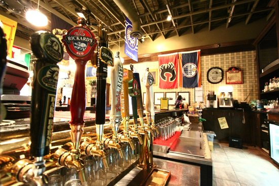 O'Shea's Eatery And Ale House: behind the bar