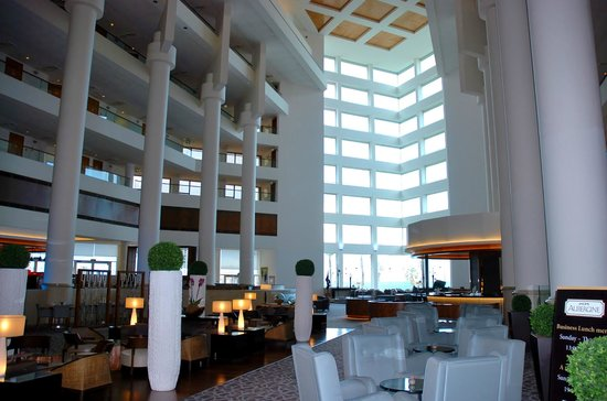 InterContinental David Tel Aviv:                   Breakfast, bar, dining and meeting area