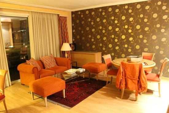 Divani Caravel Hotel照片
