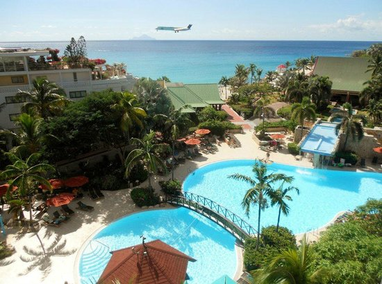 Sonesta Maho Beach Resort & Casino:                   Pool view from 6th floor