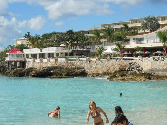 Sonesta Maho Beach Resort, Casino & Spa:                   Maho beach