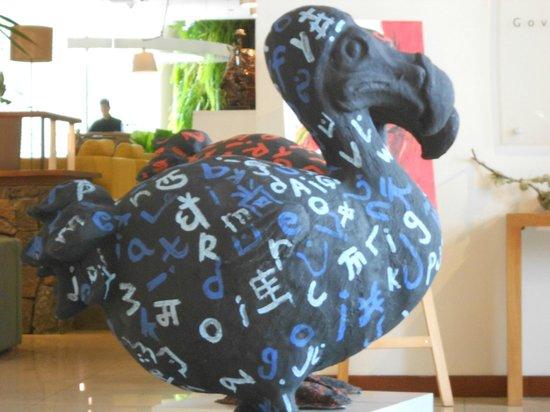 Hennessy Park Hotel :                   Foyer dodos!