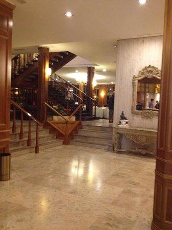 Hotel Liabeny:                   el lobby