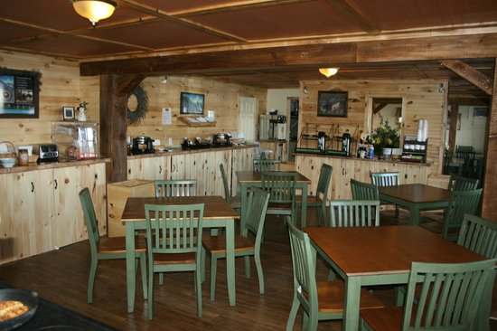 Vacationland Inn: Full View of New Breakfast Room