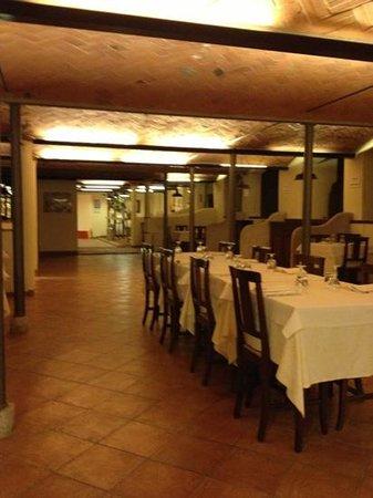 Agriturismo Ca' Guerriera:                   ristorante ricavato da una stalla