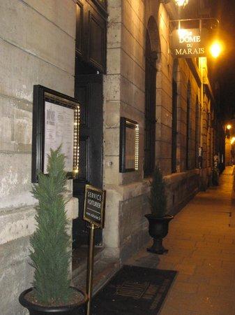 Le Dome Du Marais :                   Entrance to Restaurant