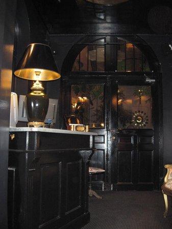 Le Dome Du Marais:                   Restaurant lobby