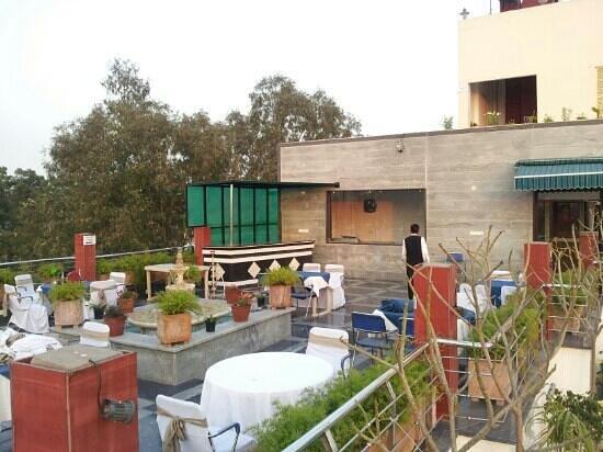 Hotel Taj Resorts:                   Tachterrasse