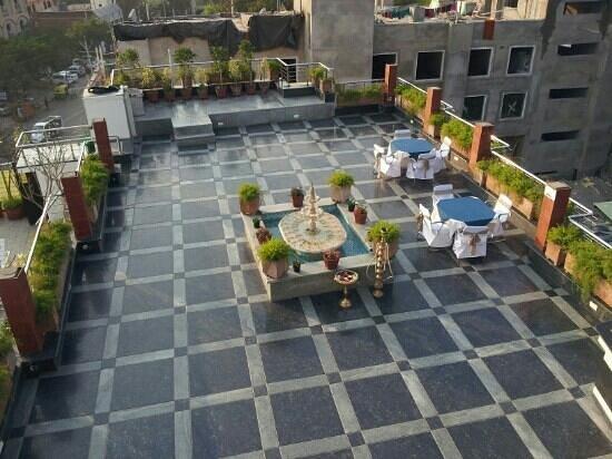 Hotel Taj Resorts:                   Dachterasse