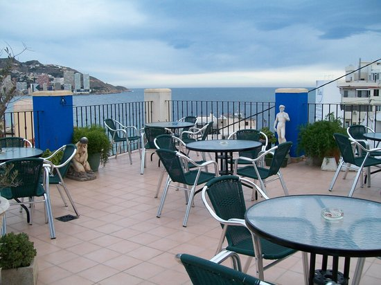Queens Hotel :                                     Lovely Roof Top Terrace