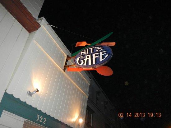 Nit's Cafe: exterior Sign