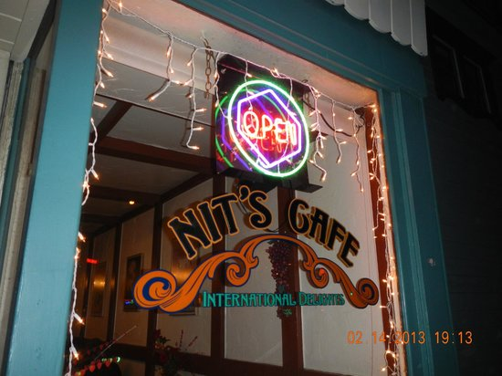 Nit's Cafe: Front Window