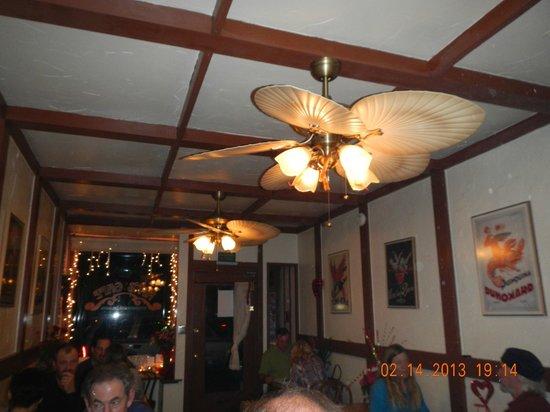 Nit's Cafe: Interior