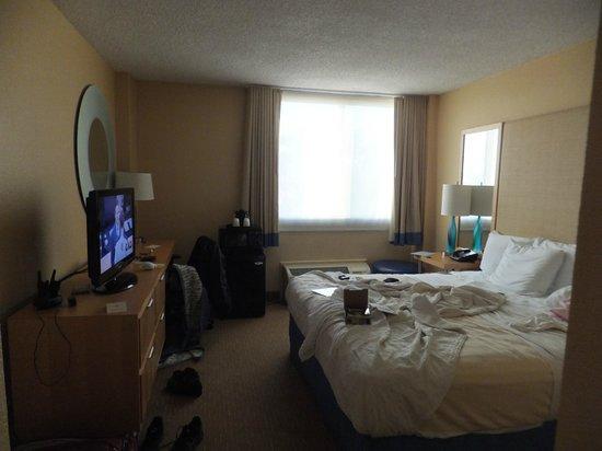La Quinta Inn & Suites LAX:                   Quarto La Quinta