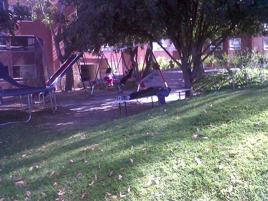 Real de Minas San Miguel de Allende:                   Descansando y los niños jugando