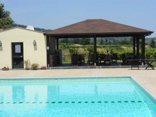 Agriturismo Tenuta San Michele:                   piscina e colazione
