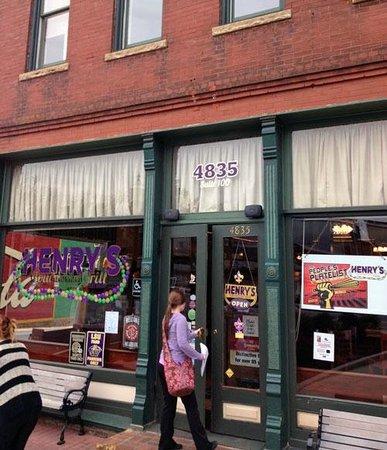 Henry's Louisiana Grill: Henry's Front Door