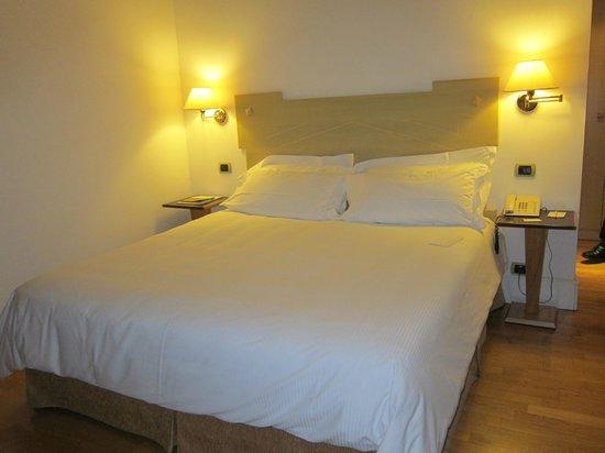 Hotel Plaza Opera :                   Room 504