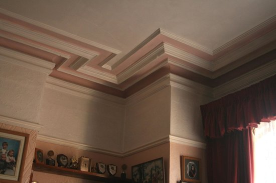 Whitehead Conservation Area: Dazzling decorative ceiling moulding, 13 Kings Road.