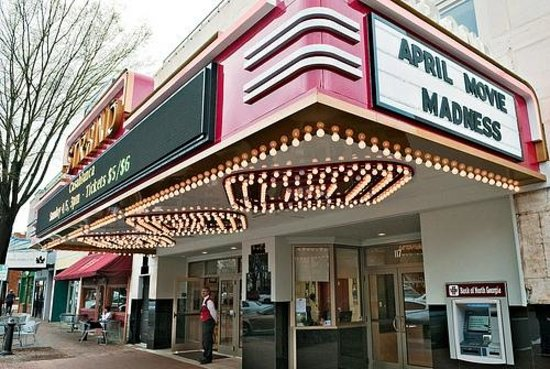 Earl Smith Strand Theatre:                   The classic meeting contemporary marquee.