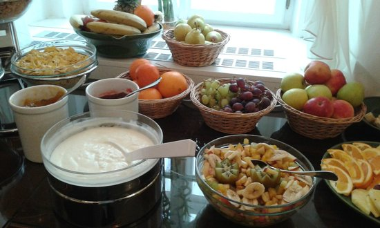 Hotel Residence Agnes:                   Frutas y cereales