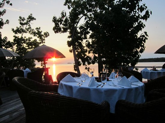 Ratua Private Island:                   dinner