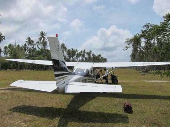 Ratua Private Island:                   airport