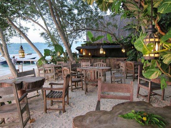 Ratua Private Island:                   BBQ