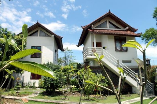 Lily Amed Beach Bungalows: Lily Amed Bangalow's two main builidings