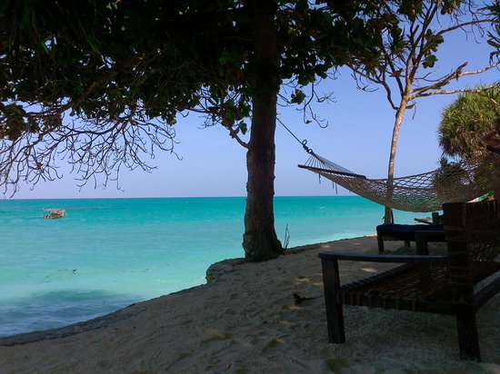Ras Nungwi Beach Hotel: relaxing beach